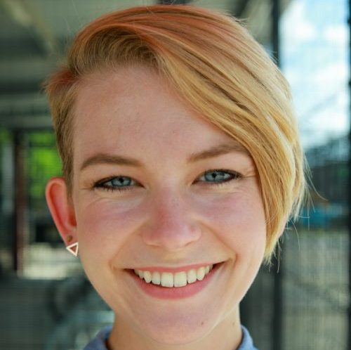 Laura Spraggins Headshot